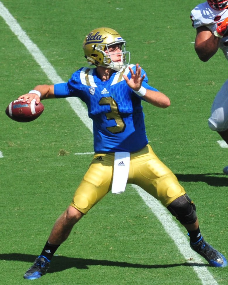 josh_rosen_vs_virginia_28cropped29